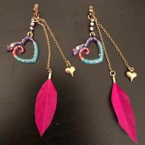 Betsy Johnson Snake Heart Linear Earrings NWOT
